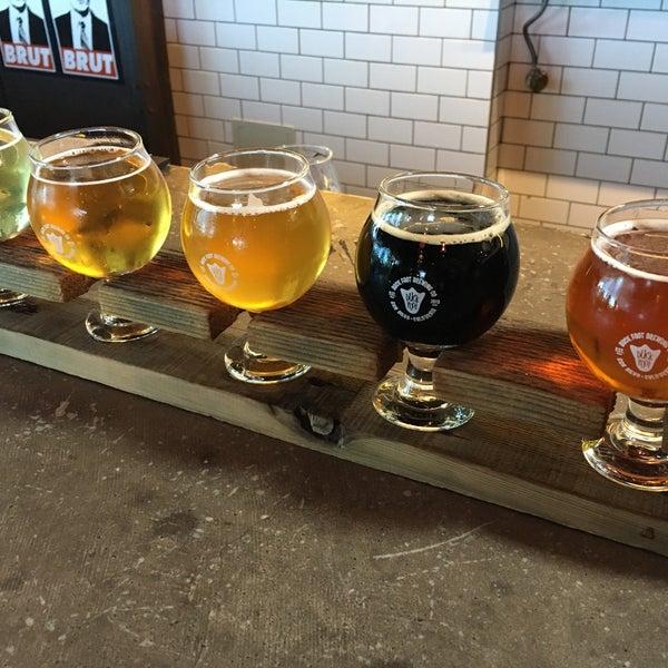 Photo prise au Duck Foot Brewing Company par Florence L. le7/4/2018