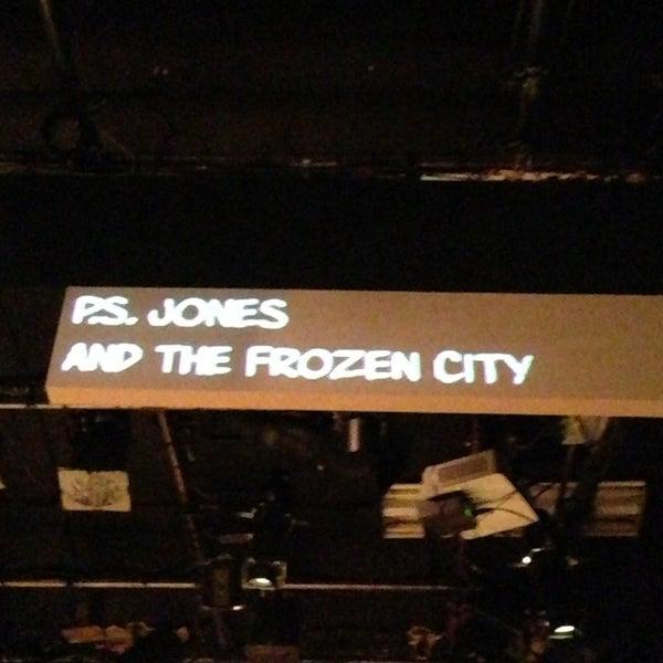 Das Foto wurde bei New Ohio Theatre von Christos T. am 12/21/2012 aufgenommen