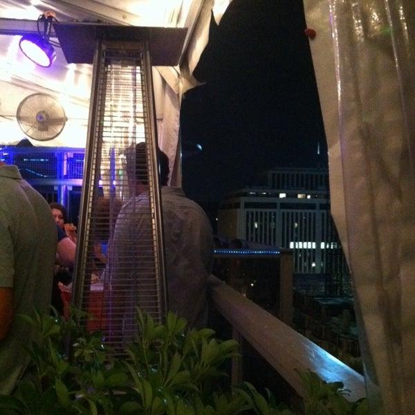 10/6/2013에 John R.님이 Beacon Sky Bar에서 찍은 사진