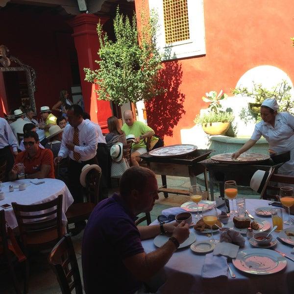 Foto tirada no(a) Catedral Restaurante & Bar por Patrick D. em 4/26/2013