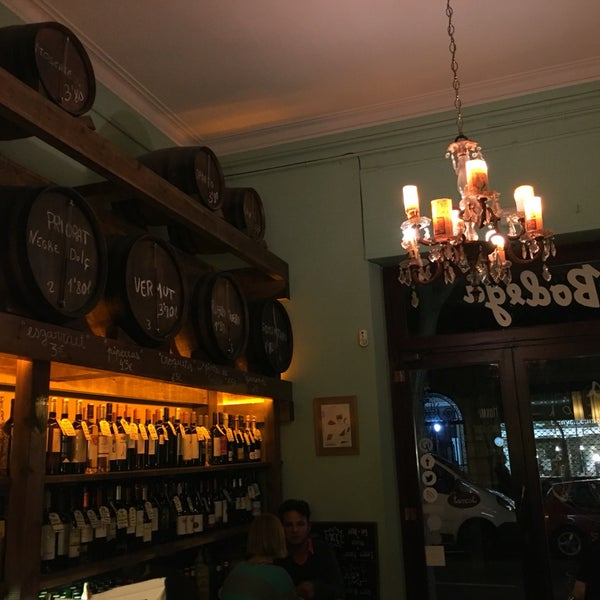 Lovely little wine bar with charming traditional interior design. Lots of excellent wines and delicious tapas. I like this place a lot!