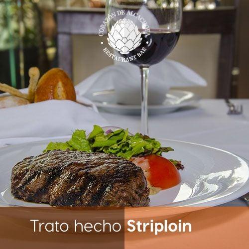 Te antojamos este delicioso Striploin, una de nuestras especialidades.