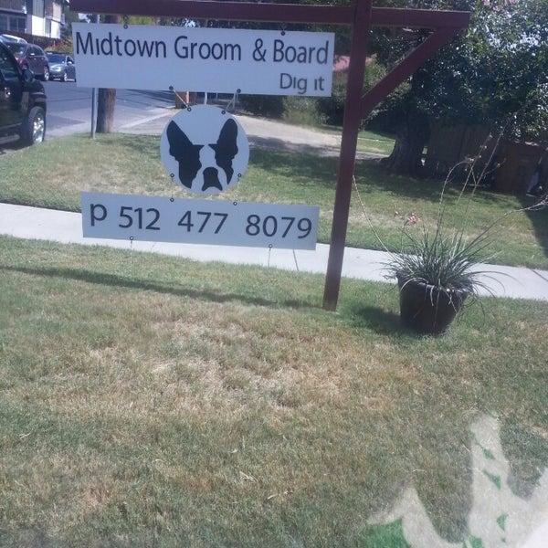 Midtown <b>Groom</b> & Board - Зоомагазин в Austin
