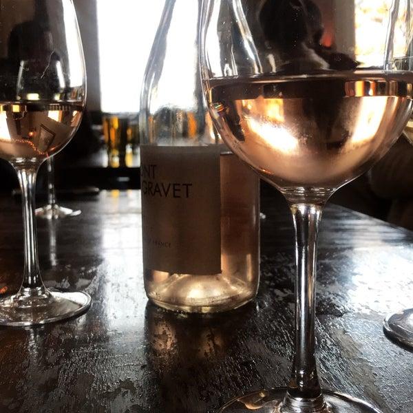 รูปภาพถ่ายที่ Pinkerton Wine Bar โดย Madeline H. เมื่อ 4/29/2018