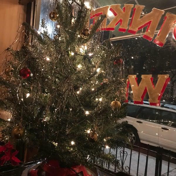 รูปภาพถ่ายที่ Pinkerton Wine Bar โดย Madeline H. เมื่อ 12/14/2017