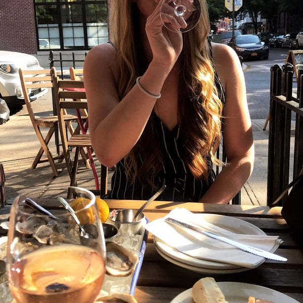 รูปภาพถ่ายที่ Pinkerton Wine Bar โดย Madeline H. เมื่อ 5/25/2018