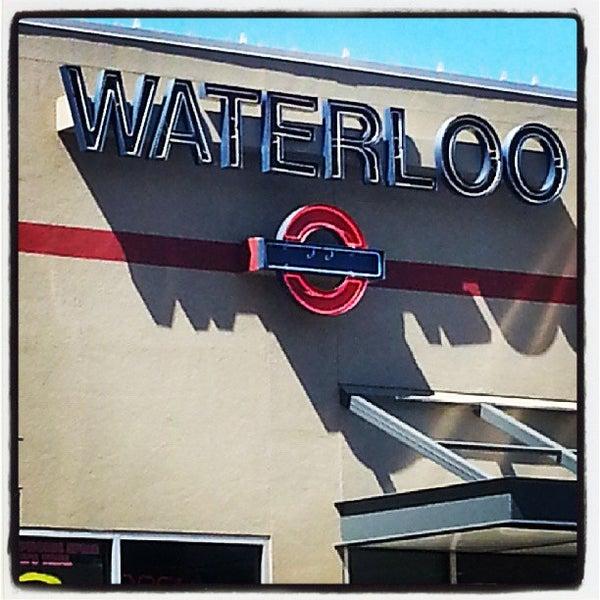 10/8/2013에 Edgar G.님이 Waterloo Records에서 찍은 사진
