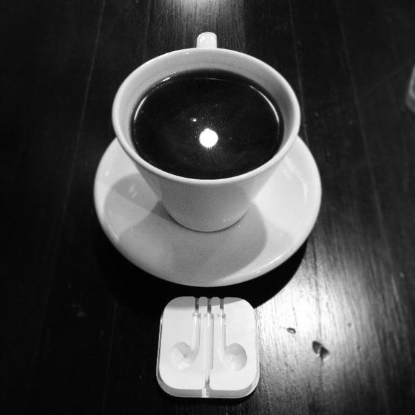 10/30/2013にJeremy G.がFrogg Coffee Bar and Creperieで撮った写真