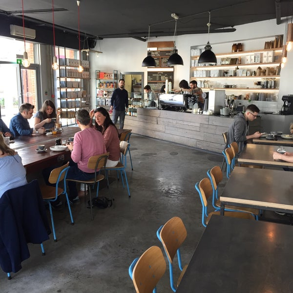 Foto tomada en Established Coffee por Thomas C. el 5/6/2017