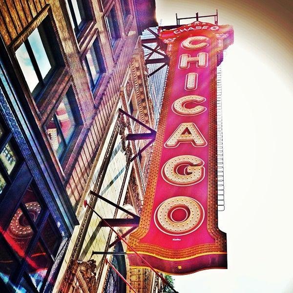 6/11/2013에 Ryan M.님이 The Chicago Theatre에서 찍은 사진