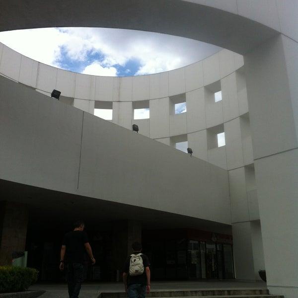 Снимок сделан в Plaza Universidad пользователем Kristina .. 8/25/2013