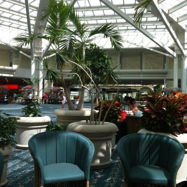 Foto tirada no(a) Aeroporto Internacional de Orlando (MCO) por Erwin W. em 6/8/2013