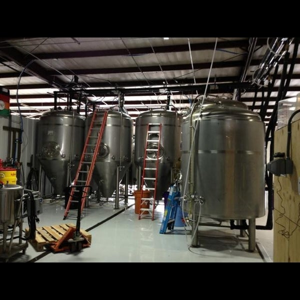 Photo taken at Martin House Brewing Company by  ℋumorous on 6/1/2013