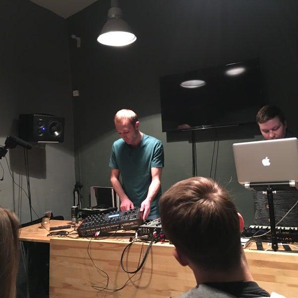 3/4/2017에 Anton A.님이 Baza Record Shop에서 찍은 사진