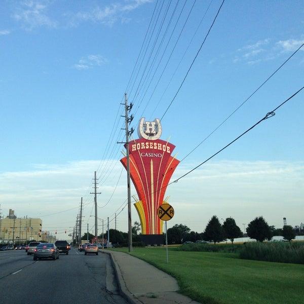 รูปภาพถ่ายที่ Horseshoe Hammond Casino โดย Justin Z. เมื่อ 7/21/2013