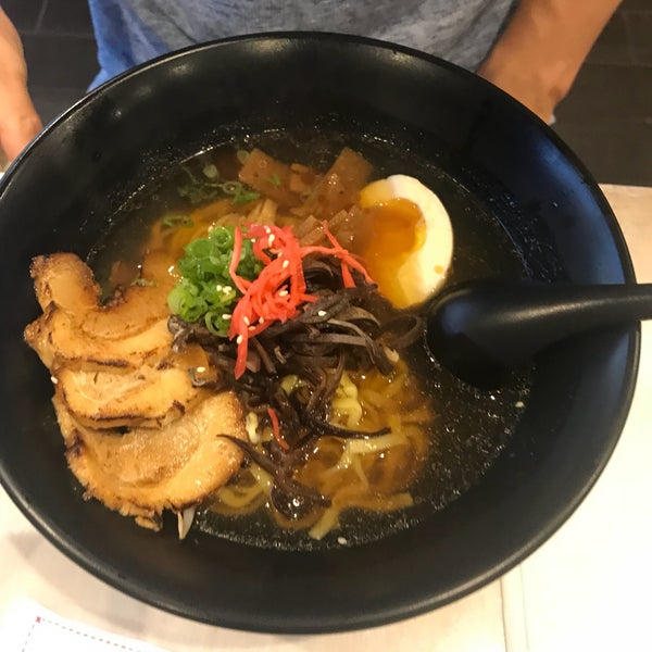 Das Foto wurde bei Chibiscus Asian Cafe & Restaurant von Ellie H. am 10/18/2017 aufgenommen