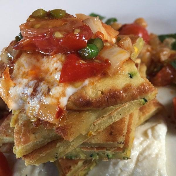 Снимок сделан в Braise Restaurant & Culinary School пользователем Ames P. 6/24/2017