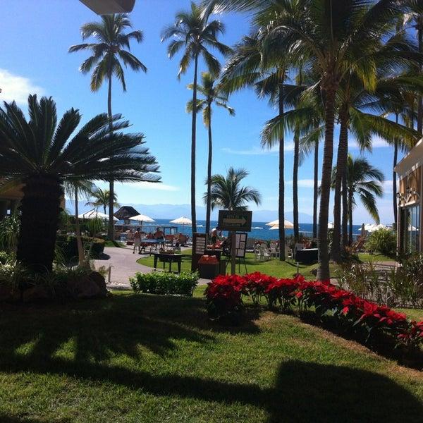 Foto tomada en Sunset Plaza Beach Resort & Spa por Bobby G. el 1/6/2013