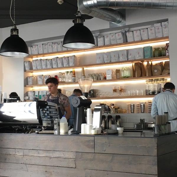 Foto tomada en Established Coffee por Najd A. el 7/20/2018