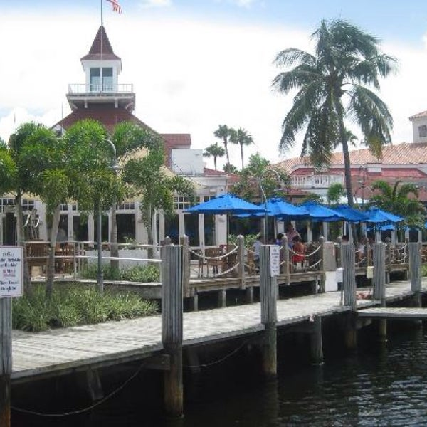 Photo prise au Bimini Boatyard Bar & Grill par Trisha P. le10/20/2013