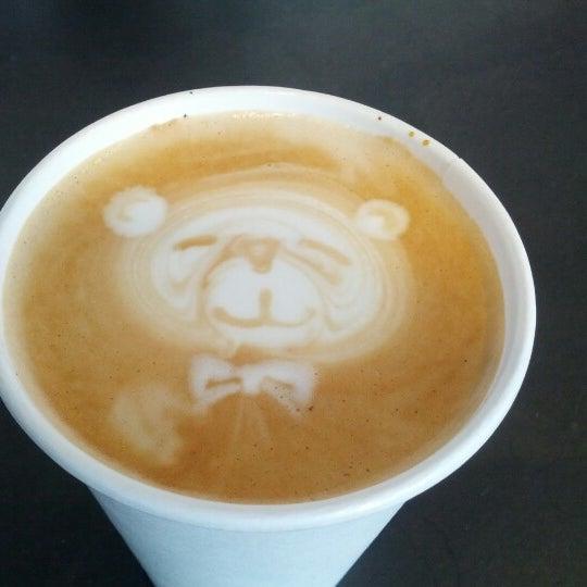 Das Foto wurde bei Elite Audio Coffee Bar von Simon F. am 2/1/2013 aufgenommen