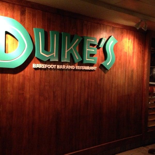 Foto tomada en Duke's Waikiki por Fernando A. el 1/12/2014