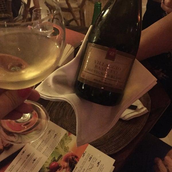 Carta de vinhos de Santa Catarina, a ideia é muito legal! Peça o Sauvignon Blanc da Vilaggio Bassetti que não tem erro.
