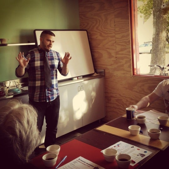 9/29/2012에 Tom H.님이 Peace Coffee Shop에서 찍은 사진