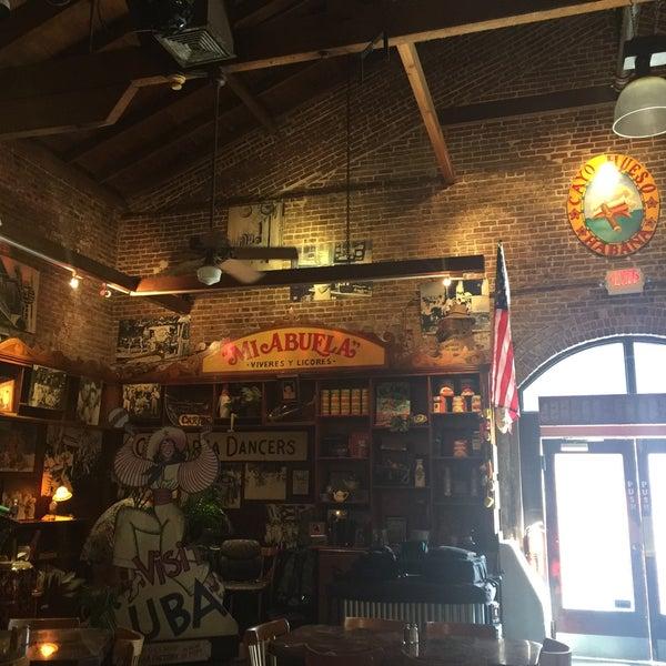 Foto diambil di El Meson de Pepe Restaurant & Bar oleh Ana L. pada 1/9/2016