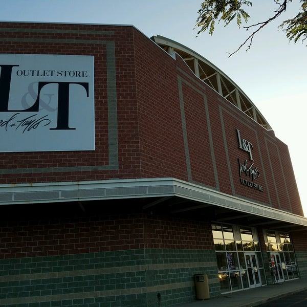 lord and taylor outlet in long island