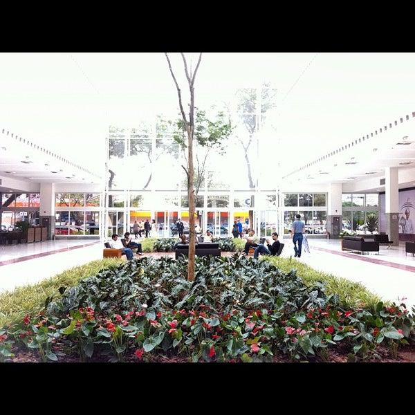 Das Foto wurde bei Grand Plaza Shopping von Roberta T. am 10/20/2012 aufgenommen
