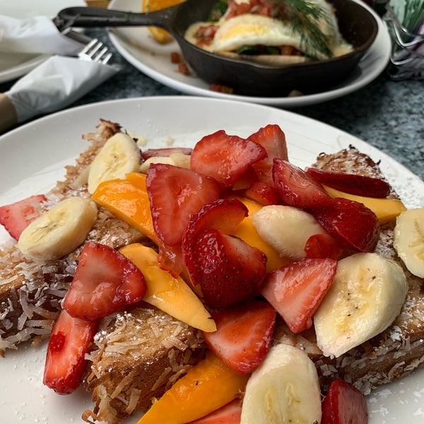 Coconut french toast is very delicious 😋