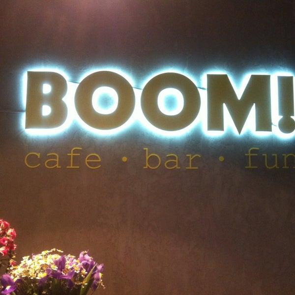รูปภาพถ่ายที่ BOOM Bar โดย Natalya C. เมื่อ 7/12/2014