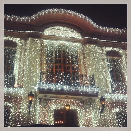 12/25/2012 tarihinde Liza V.ziyaretçi tarafından Cafe Pushkin'de çekilen fotoğraf