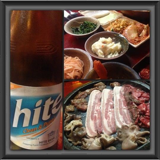 Foto scattata a Hae Jang Chon Korean BBQ Restaurant da Debbie N. il 11/29/2012