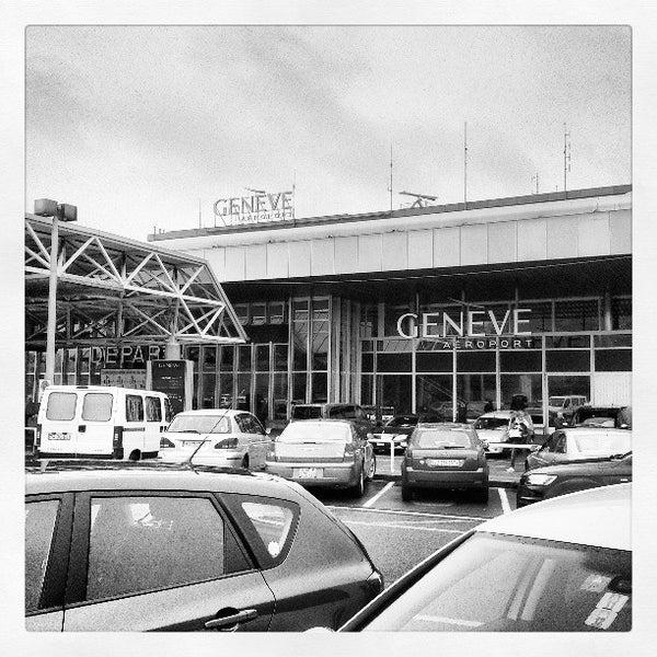 Photo prise au Aéroport de Genève Cointrin (GVA) par Luis G. le4/30/2013