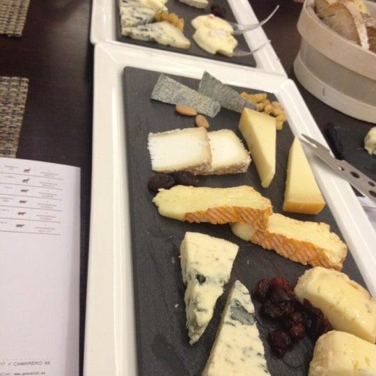 Foto scattata a Poncelet Cheese Bar da amaya il 11/8/2012