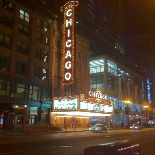 Foto scattata a The Chicago Theatre da Gordon V. il 10/1/2012