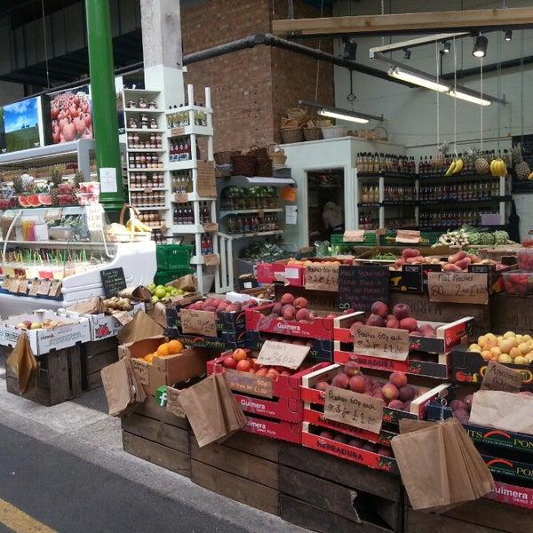 Foto tirada no(a) Borough Market por Yuewei L. em 7/10/2013