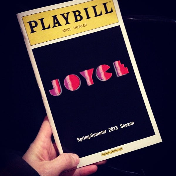 Photo prise au The Joyce Theater par Pao C. le2/21/2013