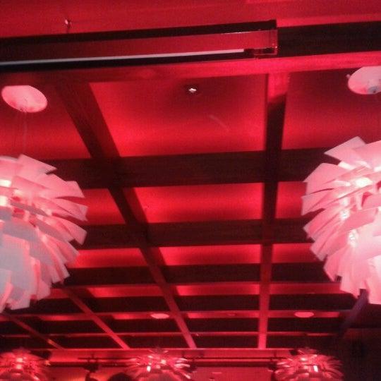 Foto tomada en Kalina Bar Restaurant por gzd K. el 1/12/2013
