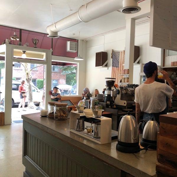 8/18/2018 tarihinde Bobby S.ziyaretçi tarafından Analog Coffee'de çekilen fotoğraf