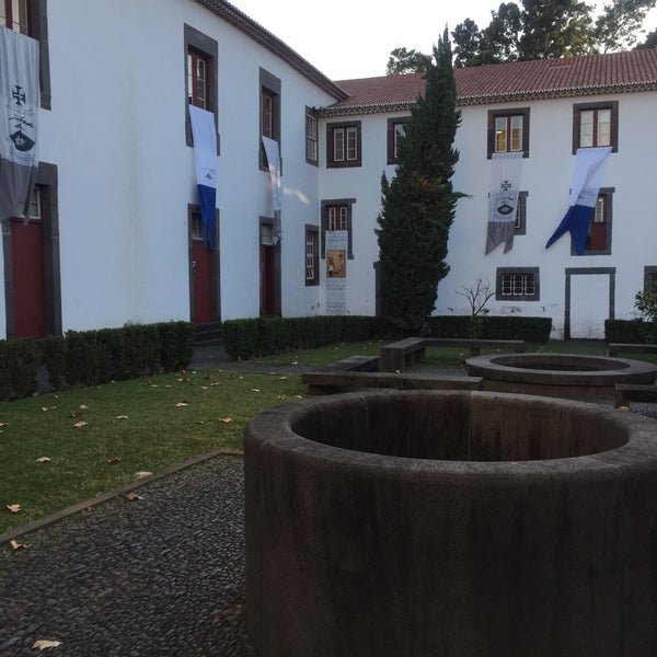 Foto diambil di Colégio dos Jesuítas do Funchal oleh Duarte F. pada 12/21/2015