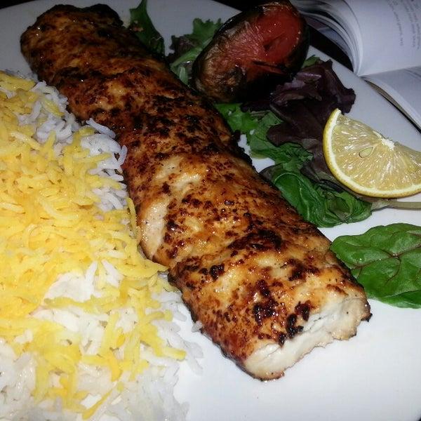 12/9/2013 tarihinde Jason F.ziyaretçi tarafından Sufi's Restaurant'de çekilen fotoğraf