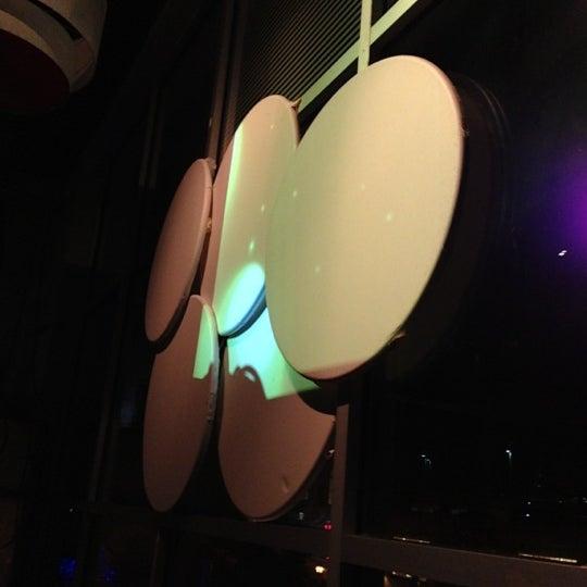 Снимок сделан в Solas Lounge & Rooftop Bar пользователем Frank M. 10/24/2012