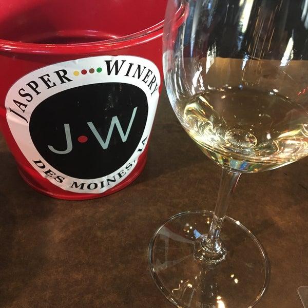Foto tirada no(a) Jasper Winery por Maggi M. em 11/5/2016