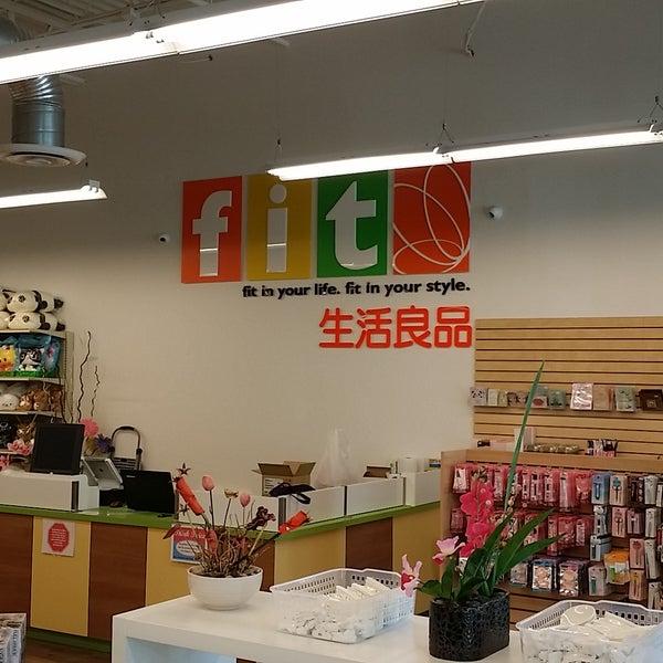 Foto tomada en FIT - Japanese Store por FIT - Japanese Store el 12/21/2015