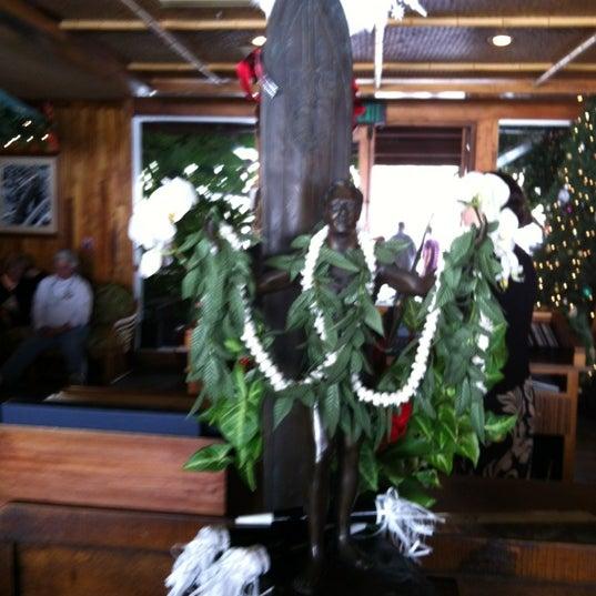 Das Foto wurde bei Duke's Malibu von Cynful C. am 12/31/2011 aufgenommen