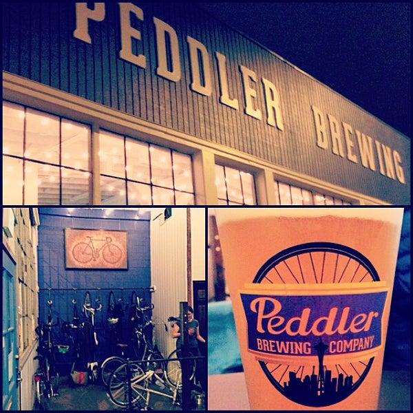 Снимок сделан в Peddler Brewing Company пользователем Jessica T. 10/25/2013