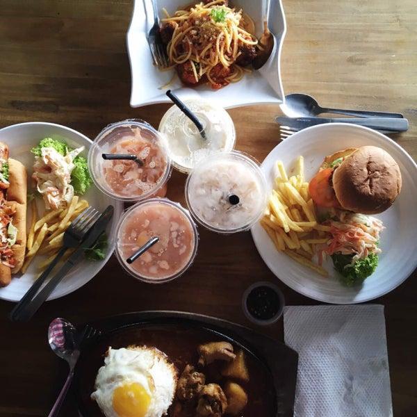 Photo Taken At Dapur Kita Food Mall By Yulea Aisar B On 9 24